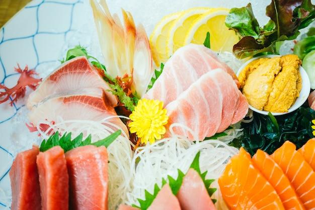 Viande De Poisson Sashimi Crue Et Fraîche Photo gratuit