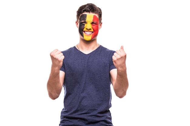 Victoire, Heureux Et Objectif Crient Les émotions Du Fan De Football Belge Dans Le Jeu De Soutien De L'équipe Nationale De Belgique Sur Fond Blanc. Photo gratuit