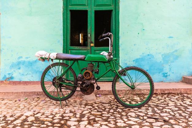 Vieille moto, trinidad Photo Premium