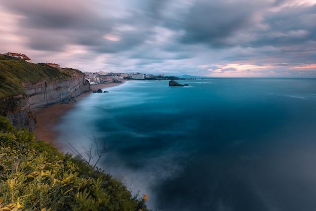Ville De Biarritz Avec Sa Magnifique Côte Au Pays Basque Nord Photo Premium