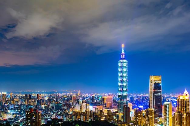 La ville de taipei la nuit, taiwan Photo Premium