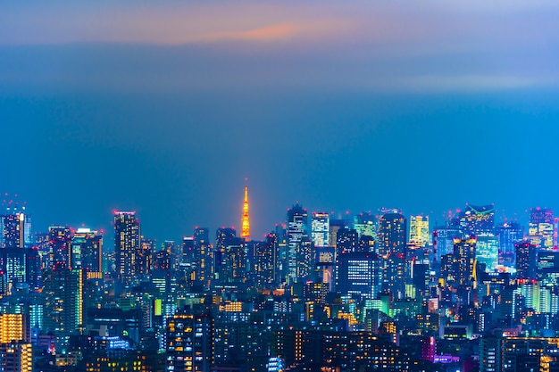 Ville de tokyo la nuit, vue depuis le pont de l'observatoire tower hall funabori Photo Premium