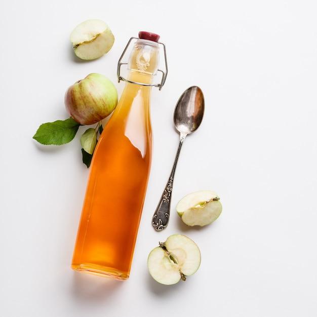 Vinaigre De Cidre Et Pommes Fraîches Photo Premium
