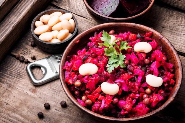 Vinaigrette De Salade De Légumes Populaire Photo Premium