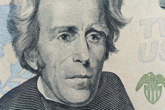 Le visage du président andrew jackson apparaît sur le billet de 20 dollars. Photo Premium