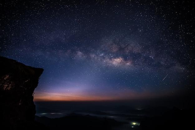 Voie Lactée Avec La Vraie Petite étoile Filante Photo Premium