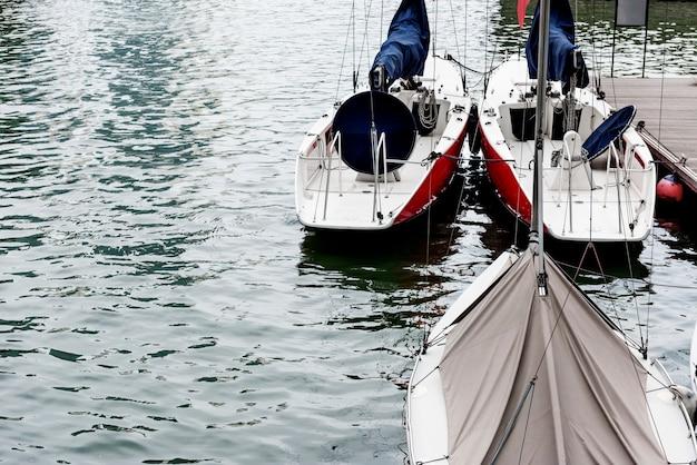 Voilier rivière point de repère port océan ville Photo gratuit