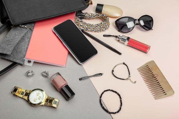 Voir sur les sacs de femmes Photo Premium
