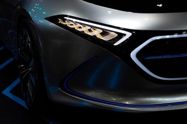 Voiture moderne électrique pour futur moteur Photo Premium