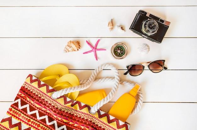 Voyage de fond. tour de mer, objets. Photo Premium
