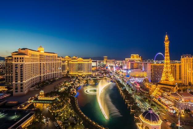 Vue Aérienne De Las Vegas La Nuit Photo Premium