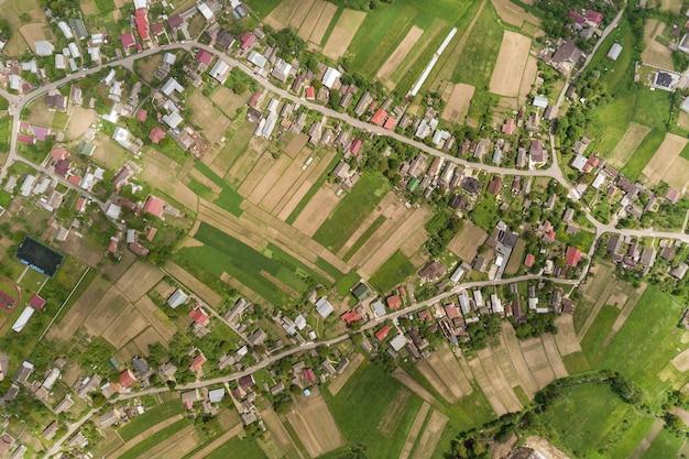 Vue aérienne de la ville ou du village Photo Premium