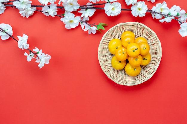 Vue aérienne vue de dessus coup d'arrangement de décoration nouvel an chinois. Photo Premium