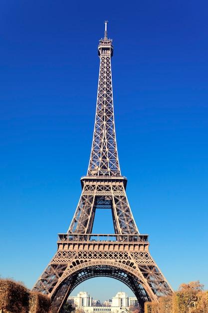Vue De La Célèbre Tour Eiffel à Paris Photo gratuit