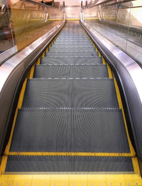 Vue depuis le haut de l'escalator Photo Premium