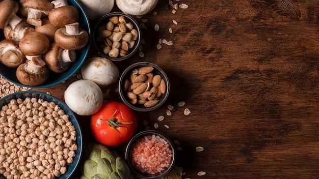 Vue De Dessus Arrangement Alimentaire Avec Copie-espace Photo gratuit