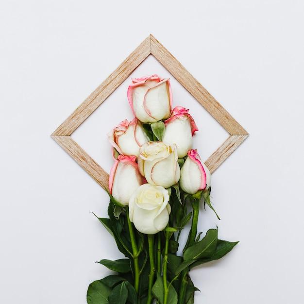 Vue de dessus bouquet de roses Photo gratuit