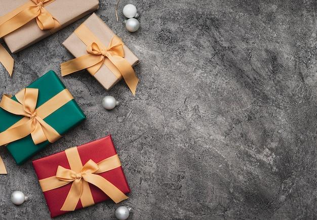 Vue De Dessus Des Cadeaux De Noël Avec Espace De Copie Photo gratuit