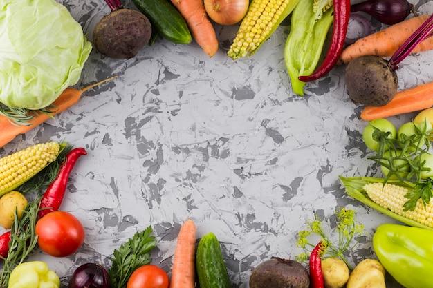 Vue de dessus de cadre de légumes frais Photo gratuit