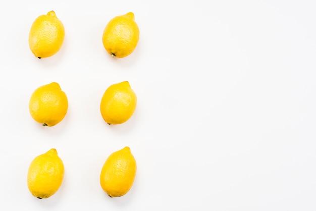 Vue de dessus de citrons délicieux exotiques Photo gratuit