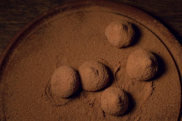 Vue De Dessus De Délicieuses Truffes Au Chocolat Photo gratuit