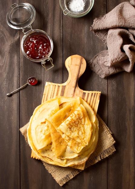 Vue De Dessus De Délicieux Dessert Crêpe D'hiver Photo gratuit