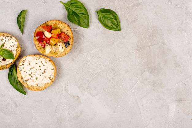 Vue de dessus de délicieux plats italiens avec espace de copie Photo gratuit