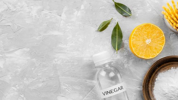 Vue De Dessus Du Bicarbonate De Soude Et De Citron De Nettoyage écologique Avec Espace De Copie Photo gratuit