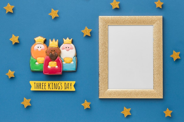 Vue De Dessus Du Cadre Avec Des étoiles Et Trois Rois Pour Le Jour De L'épiphanie Photo gratuit