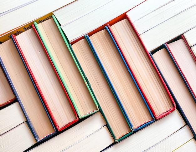 La vue de dessus du livre de pile Photo Premium