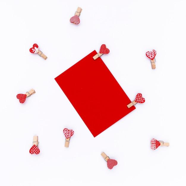 Vue De Dessus Du Papier De La Saint-valentin Avec Coeurs Photo gratuit
