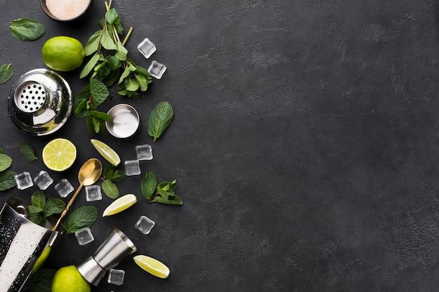 Vue De Dessus Des Essentiels De Cocktail Avec Espace Copie Photo Premium