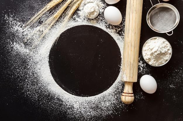 Vue de dessus de la farine avec pagaie Photo gratuit