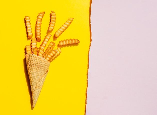 Vue de dessus des frites avec espace de copie Photo gratuit