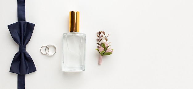 Vue De Dessus Noeud Papillon Et Concept De Mariage De Parfum Photo Premium