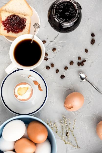 Vue De Dessus œuf à La Coque Et Tasse De Café D Photo gratuit