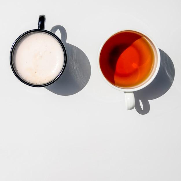 Vue de dessus paire de tasses de café Photo gratuit