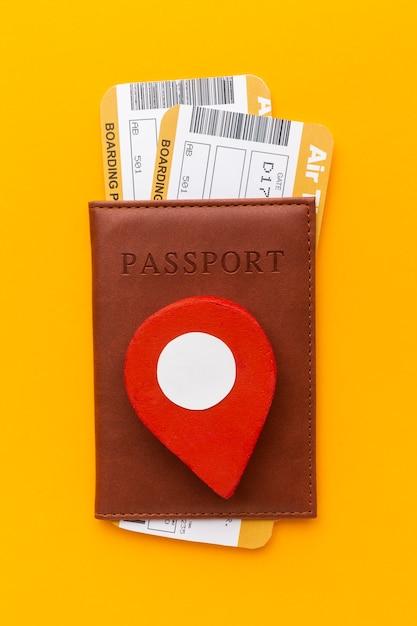 Vue De Dessus Des Passeports Et Des Billets Photo gratuit