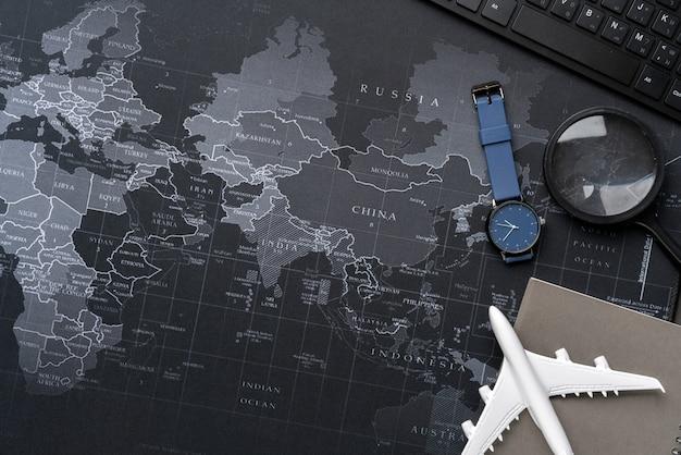 Vue de dessus de la photographie de nature morte de concept de voyage Photo Premium