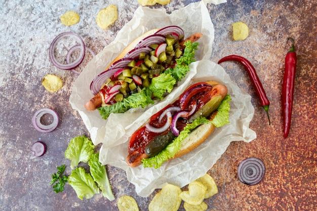 Vue dessus, sandwichs, à, piments rouges Photo gratuit