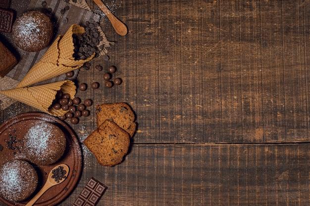 Vue De Dessus Savoureux Assortiment De Bonbons Photo gratuit