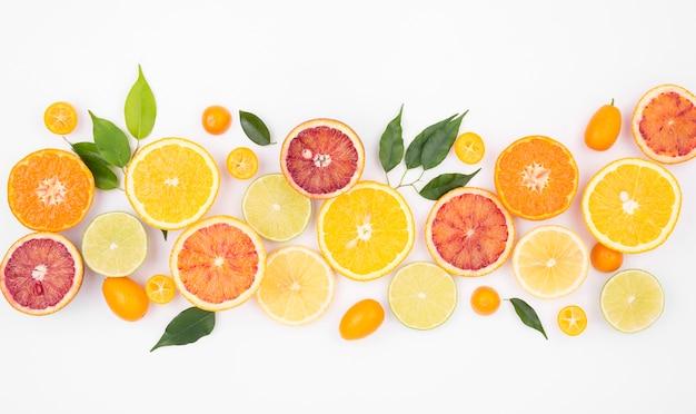 Vue De Dessus Sélection De Fruits Frais Sur La Table Photo gratuit