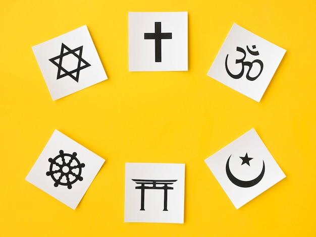 Vue De Dessus Des Symboles Religieux Photo gratuit