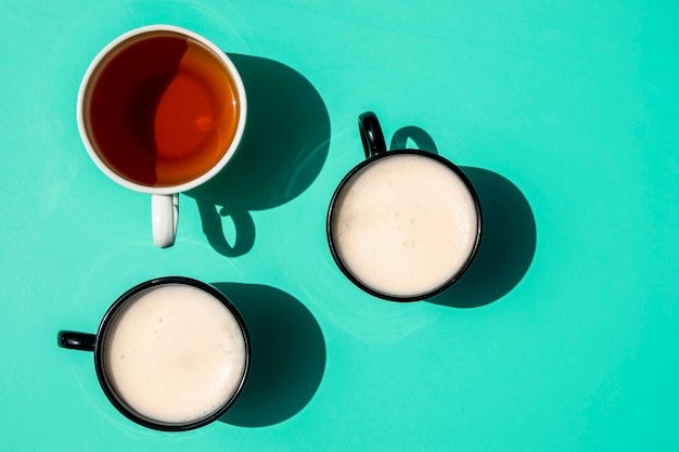 Vue de dessus des tasses de café Photo gratuit