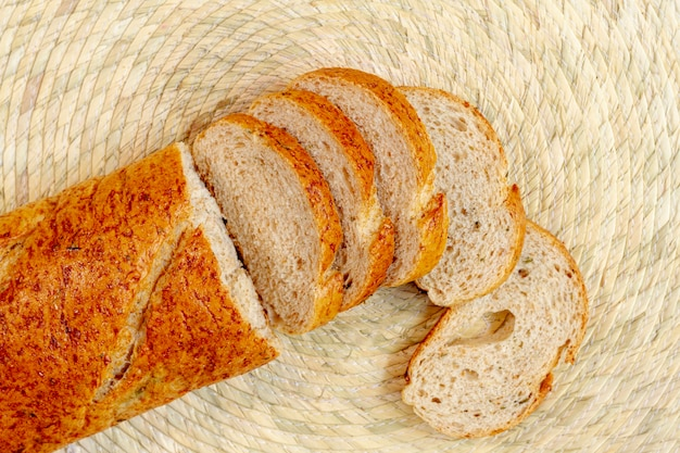 Vue de dessus des tranches de pain cuit Photo gratuit