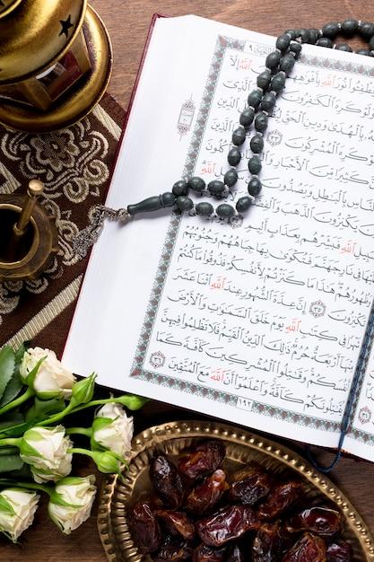 Vue De Dessus, Versets Coran, Sur, Bureau Photo Premium