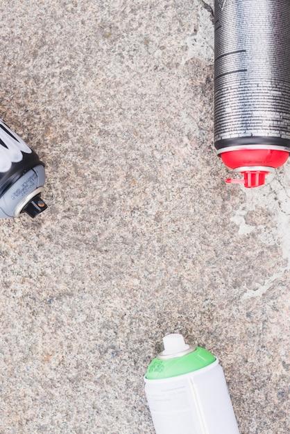 Vue élevée des aérosols sur le sol Photo gratuit