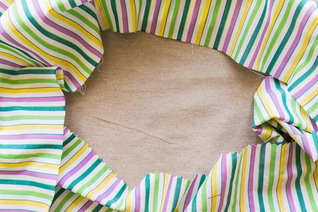 Vue élevée, de, lin coloré, textile, formant, cadre Photo gratuit