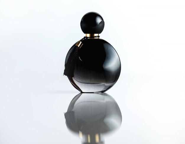 Vue De Face Bouteille Parfum Bouteille En Verre Noir Photo gratuit