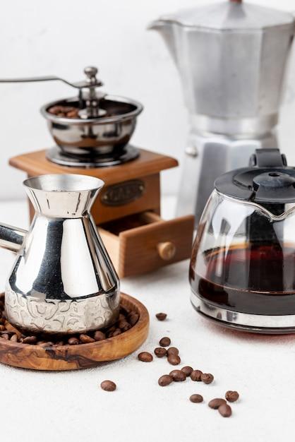 Vue De Face Du Concept De Café Sur La Table Photo gratuit